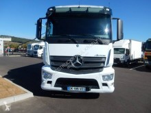 Mercedes Antos truck used moving box