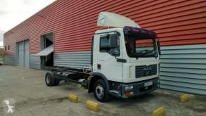 Camión MAN TGL 10.210 chasis usado