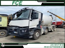 Damaged concrete mixer truck Renault