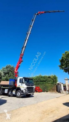 Camion Volvo FMX 430 plateau ridelles neuf