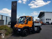 Camión Unimog Mercedes-Benz U300 4x4 furgón usado