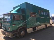 Camion van à chevaux Renault 200