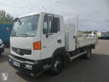 Camion Nissan Atleon 80.19 benne occasion