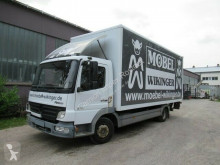 Camion fourgon occasion Mercedes Atego 815 L Möbelkoffer, viel neu