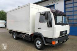 Camión furgón transporte de bebidas usado MAN 8.220 4x2 Getränkekoffer Blatt/Luft
