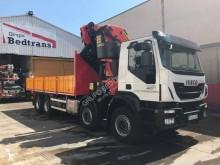 Camion plateau occasion Iveco Trakker 450
