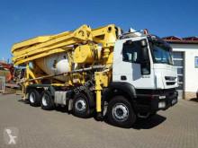Camion béton toupie / Malaxeur Iveco Trakker 500 8x4 PuMi 8m³ Trommel/32m Pumpe Cifa
