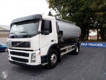 Camion citerne Volvo FM9 260