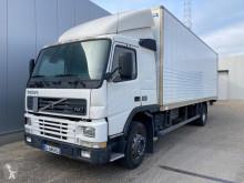 Camion Volvo FM7 fourgon occasion