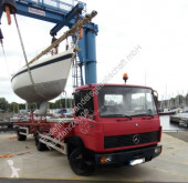 Camion remorque 奔驰 Mercedes 814 Bootstransporter