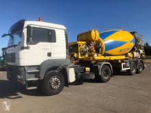 Camion béton malaxeur + pompe occasion MAN 18.440 + De Buf BM10-33-2B mixer
