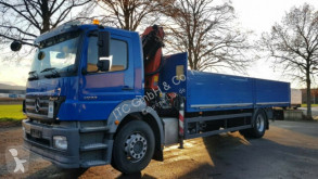 Camion plateau ridelles Mercedes 1833Pritsche mit Kran mit Funk