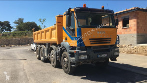 Camión volquete volquete bilateral Iveco Trakker