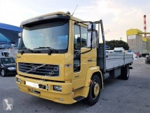 Camion platformă si obloane Volvo FL 220-15