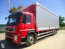 Camion cu prelata si obloane second-hand Volvo