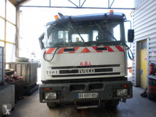 Iveco 190.24 truck damaged container