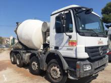 Camion béton toupie / Malaxeur Mercedes Actros 3336