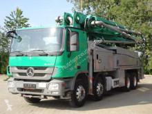 Camion pompe à béton occasion Mercedes 3241 8x4 Betonpumpe Putzmeister BSF 42M 5.16 HLS