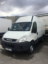 Camion fourgon occasion Iveco Daily 35S13 2.3