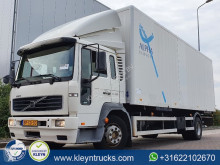 Camion fourgon occasion Volvo FL