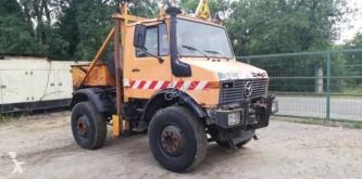 Camión Unimog U1600 chasis usado