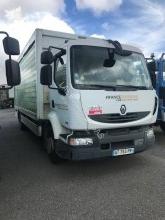Camión Renault Midlum 180.14 caja abierta transporte de bebidas usado