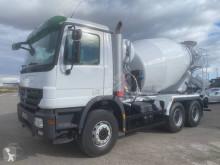Camion Mercedes Actros 3332 calcestruzzo rotore / Mescolatore usato