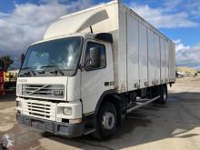 Vrachtwagen Volvo FM7 tweedehands bakwagen
