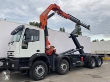 Camión Gancho portacontenedor Iveco Trakker 340 T 38