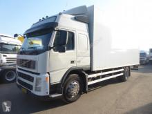 Camion fourgon Volvo FM9