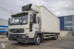 Vrachtwagen Volvo FL 611 tweedehands koelwagen mono temperatuur