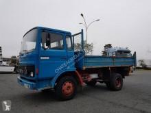 Camião Saviem JK basculante para obras usado