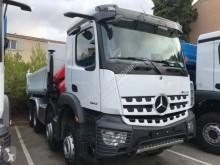 Camion bi-benne Mercedes Arocs 3243 KN