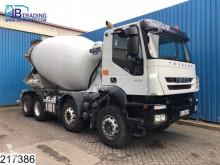 Camion betoniera cu rotor/ Malaxor Iveco Trakker 410