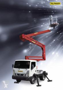 Camion nacelle Nissan P 200A
