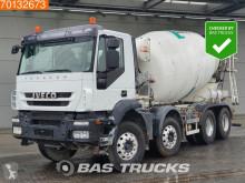 Vrachtwagen Iveco Trakker tweedehands beton molen / Mixer