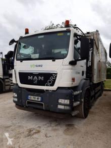 Camion benne MAN 26.360
