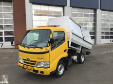 Toyota Dyna truck used tipper