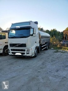 Volvo FH 440 truck used water tanker