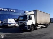 Camión DAF CF65 65.300 lonas deslizantes (PLFD) usado