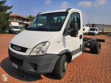 Utilitaire châssis cabine Iveco Daily 60C15