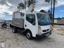 Camion nacelle télescopique Renault Maxity