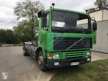 Camion polybenne Volvo F12 360