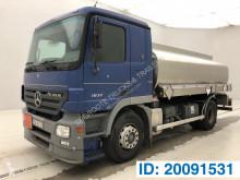 Camion citerne produits chimiques Mercedes Actros