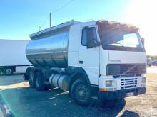 Camión cisterna Volvo 340 6X2 CISTERNA TRASPORTO LATTE