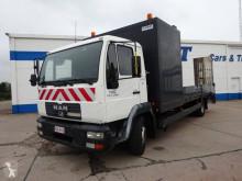 Camión portamáquinas MAN LE 12.220
