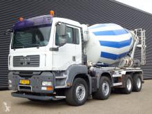 Kamión betonárske zariadenie domiešavač MAN TGA 37.400