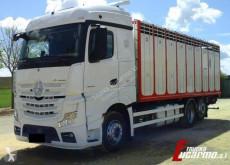Mercedes livestock trailer truck