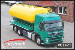 Грузовик Volvo FM 420, Futter, Silo: Heitling 29.000 Liter, Lenkachse цистерна б/у