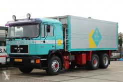 Camión MAN 26.332 COMMANDER volquete usado